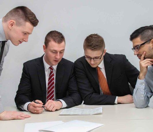 6-Meeting-Skills-for-Real-Estate-Agents-on-LightningIdea
