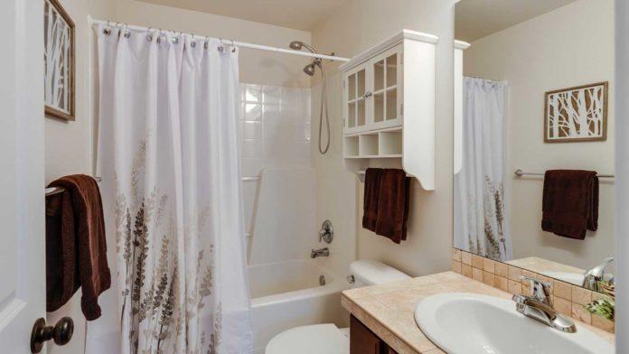 Some-Practical-Tips-to-Prevent-Mold-in-Bathroom-on-lightningidea